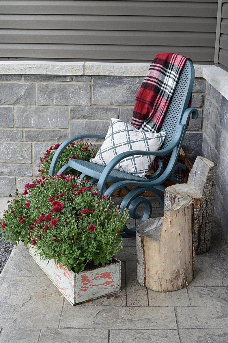 vintage rocking chair makeover using fusion mineral paint homestead blue