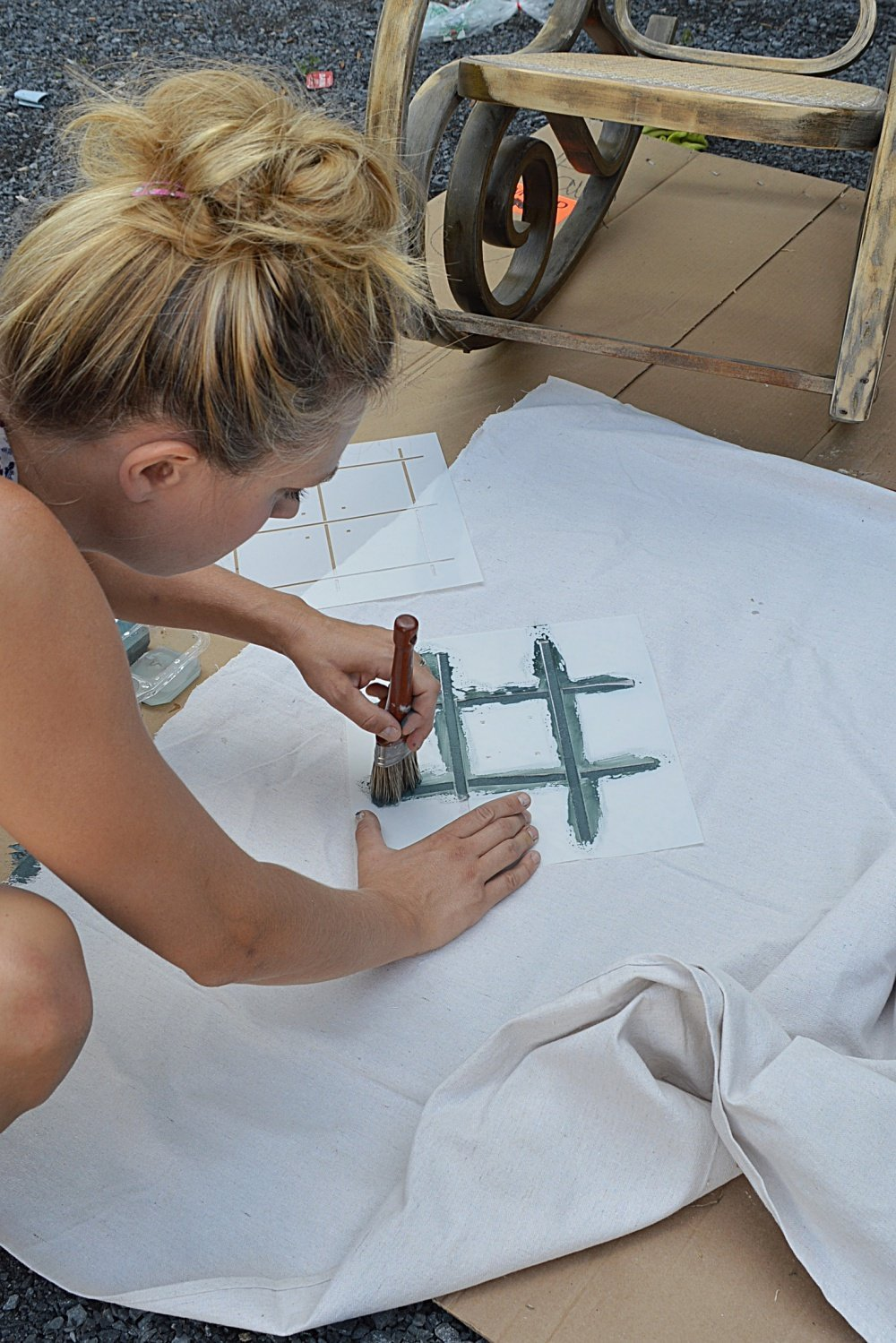 how to make a painted drop cloth plaid pillow using a stencil