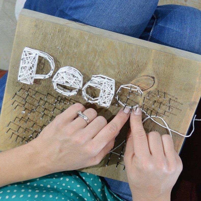 how to make rustic farmhouse christmas string art