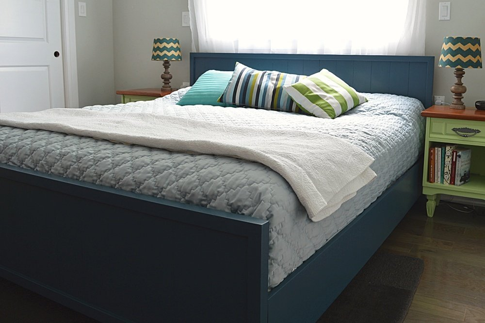 how to make a navy blue farmhouse bed