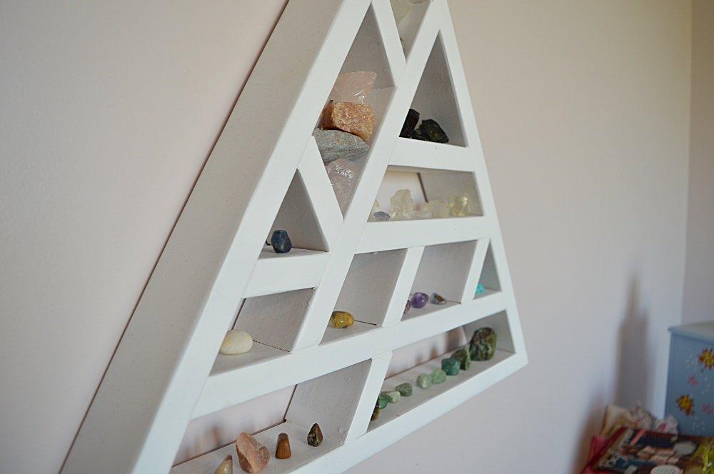 How to make a triangle shelf
