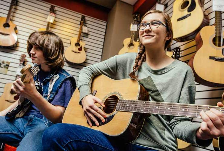 Classical vs. Acoustic Guitar: What's the Difference?