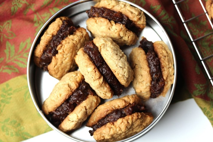 Picture of cookies in a tin