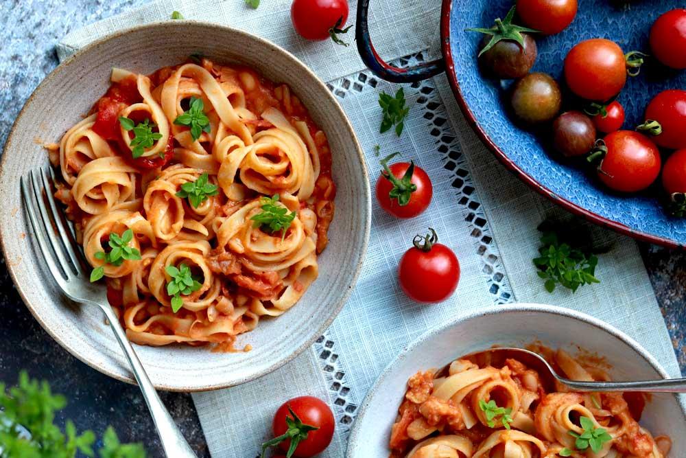 Creamy Cannellini and Tomato pasta in a bowl