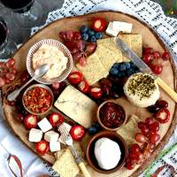How to make the Best Vegan Cheese Board