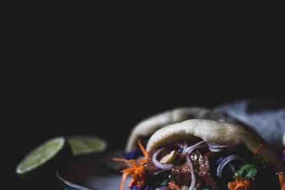 Gua Bao Burger mit veganem Sauerbraten Bao Buns