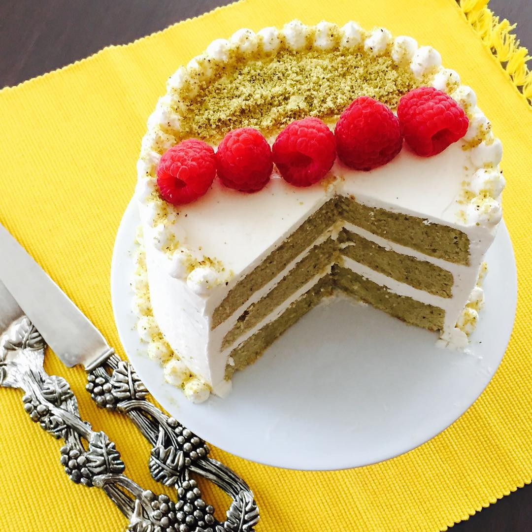 pistachio cake theveggiefix