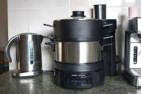 Need an extra pair of hands? Win a Philips Jamie Oliver HomeCooker!