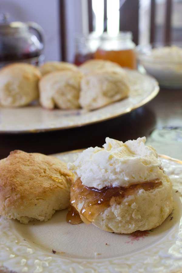 pear-jam-scones-closeup