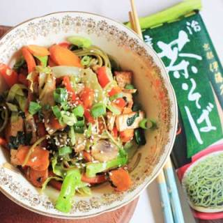 Vegetarian soba noodle stir fry - lunch in 10 minutes | Veggie Mama