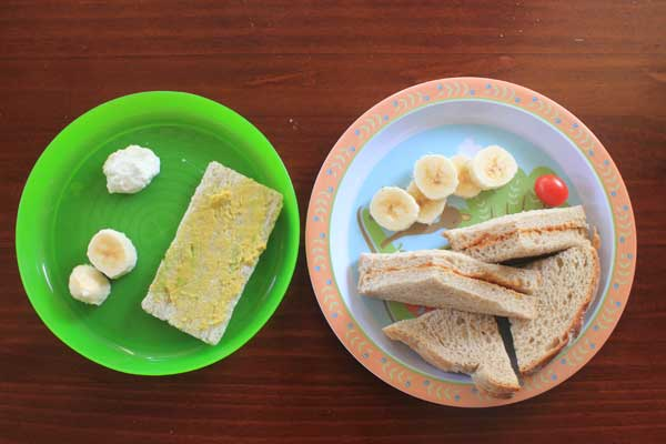 kid-2-food-lunch---sandwich-banana-avocado-