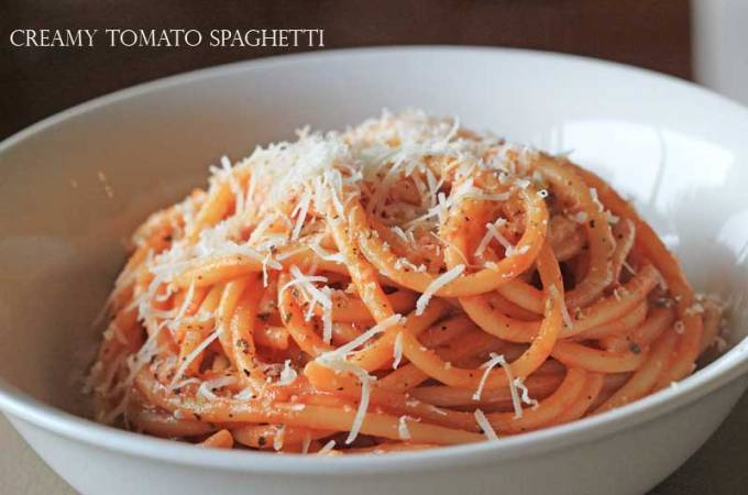 The Quick Lunch: Creamy Tomato Spaghetti (with a little chilli kick!)