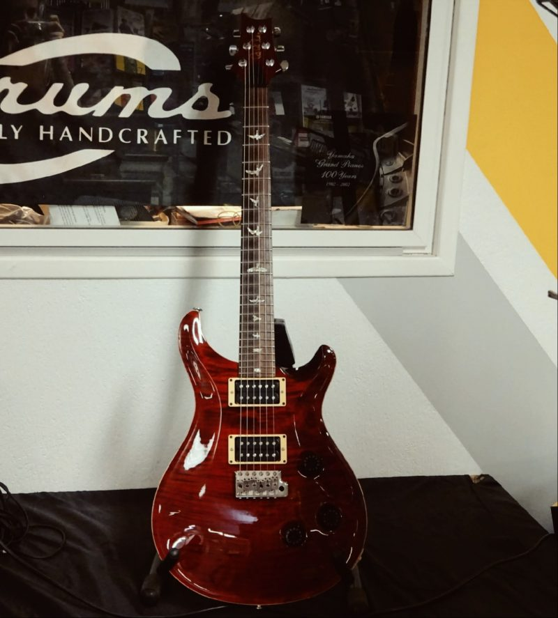guitare Custom 24