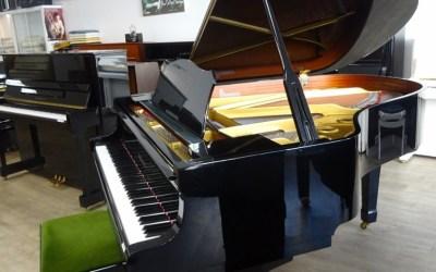 Piano 1/4 de queue YAMAHA C3