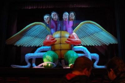 Source: http://purpleprosemystery.blogspot.co.uk/2010/05/ross-noble-things-enmore-theatre-5510.html