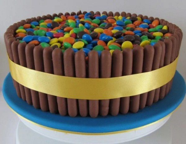 Chocolate Finger cake inspired by kit kat one