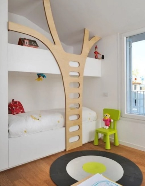 Bunk Bed with Tree Ladder