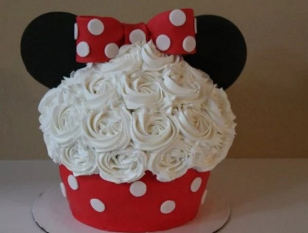 Minnie Mouse Giant Cupcake
