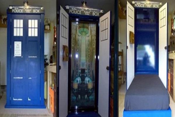 TARDIS bed