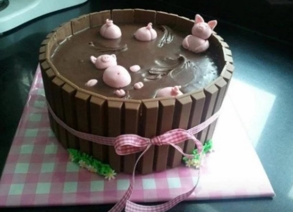 Kit Kat Style Pigs in mud Cake
