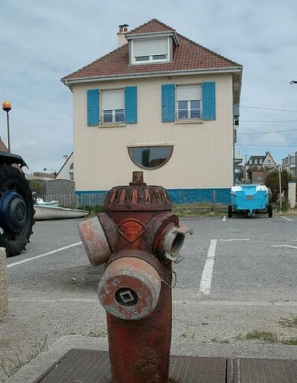 House With a Happy Face
