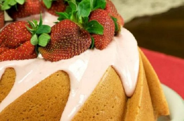 Ten Amazing Designs and Recipes for Bundt Cakes You'll Want to Try