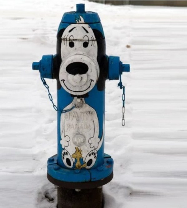 Art attacked fire hydrant: Snoopy theme