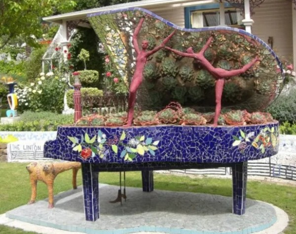 Piano Turned into art