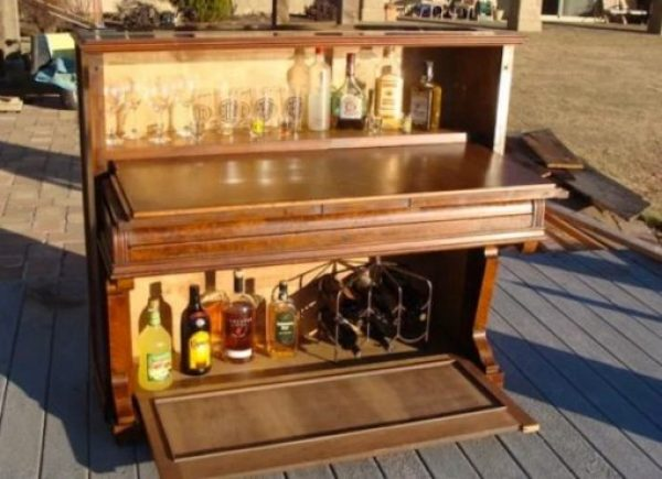 Piano Turned into drinks cabinet