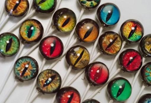 Eye themed lollipops