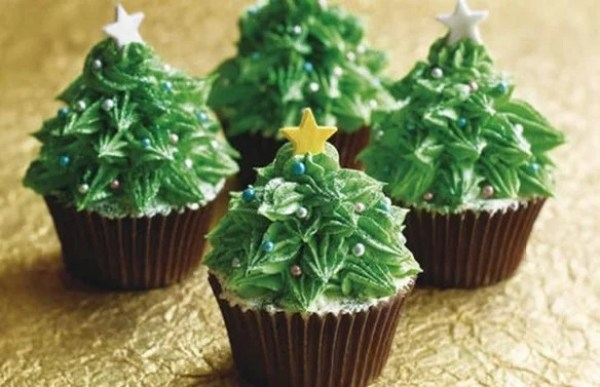 Christmas Tree Inspired Cupcakes