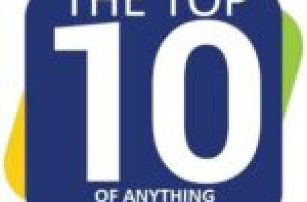 Santa Hat Inspired Cupcakes