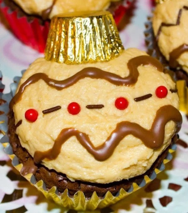 Bauble Inspired Cupcakes