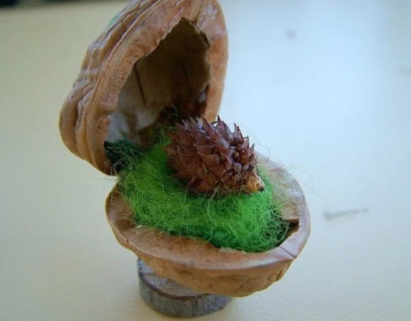 the forest friends gift idea made with walnut shells
