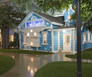 Ten Photos of the Amazing and Creative Inventionland Themed Offices