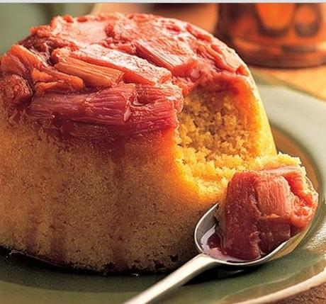 Rhubarb steamed pudding
