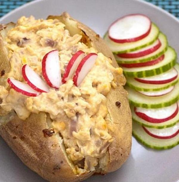 Jacket potatoes with chickpeas & red onion filling