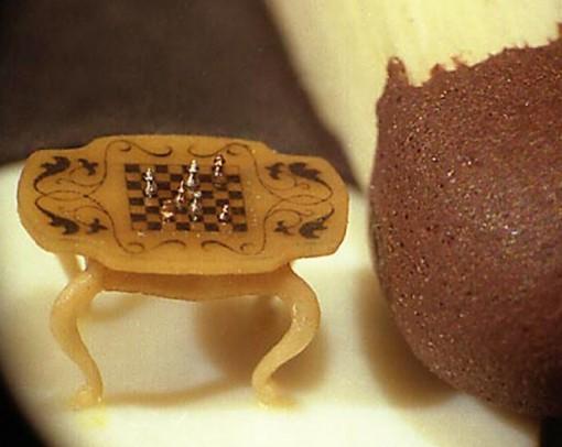 Vladimir Aniskin's - Microscopic Miniature Art