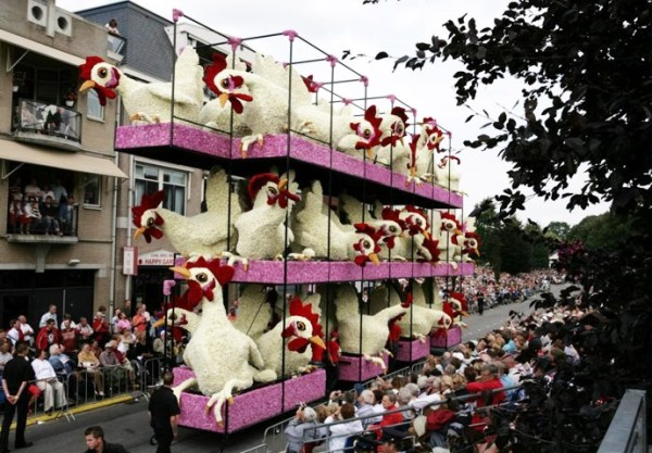 Top 10 Amazing Floats Covered in Flowers