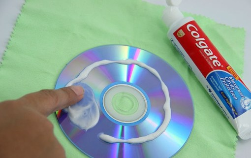 Top 10 Weird and Unusual Uses for Toothpaste