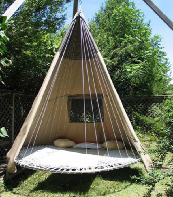 Garden Swing Made From a Trampoline