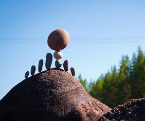 Top 10 Amazing Examples of Rock Balancing Art
