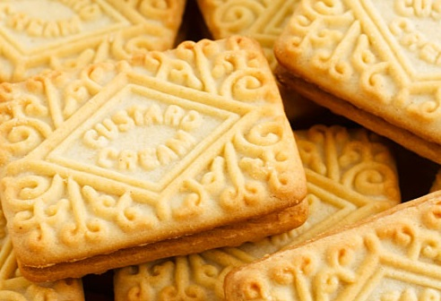 Homemade Custard Creams Biscuits