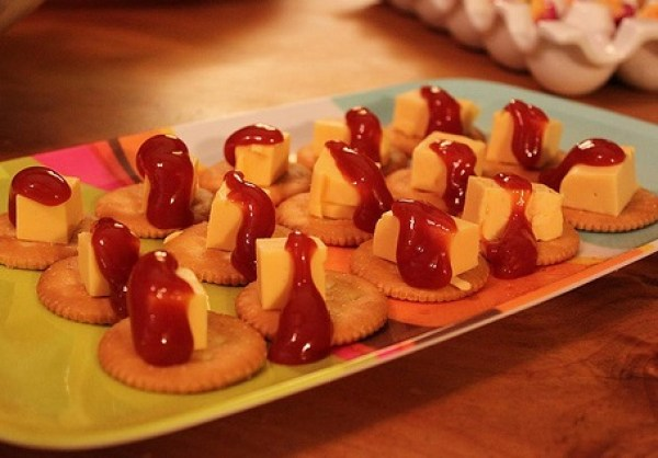 ketchup and Cheese Ritz Snack Bites