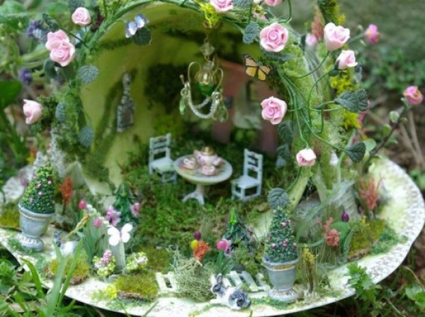 Old Mug Or Cup Used To Make a Fairy Garden