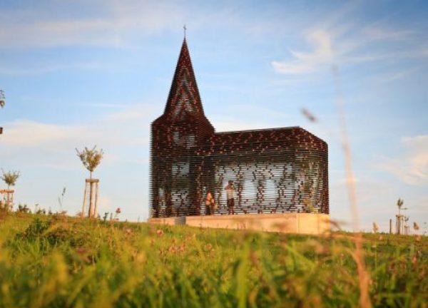 Transparent church. Haspengouw