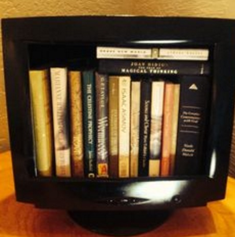 Old PC Monitor Turned Into a Book Rack
