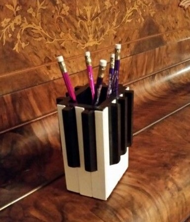 Piano Keys Used To Make Pencil Holder