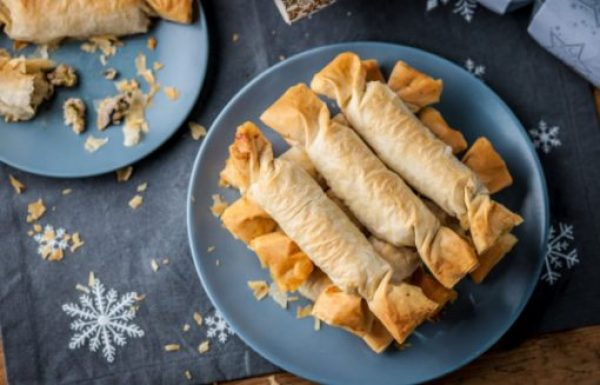 Filo & Chicken Christmas Crackers
