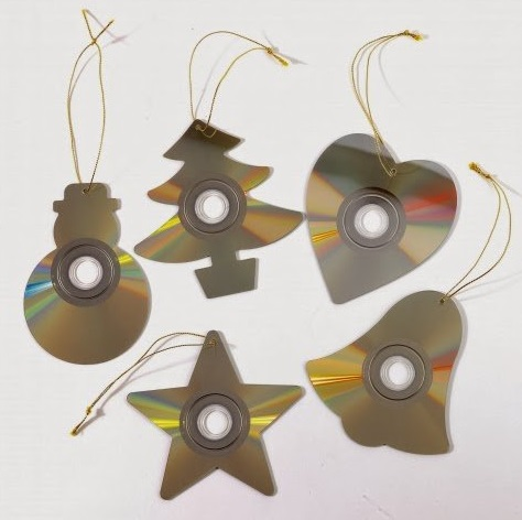 CD's Recycled Into Christmas Tree Decorations